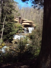 Fallingwater house built by:Frank Lloyd Wright